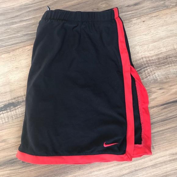 NIKE border tennis 🎾 skirt black and red skirt XS